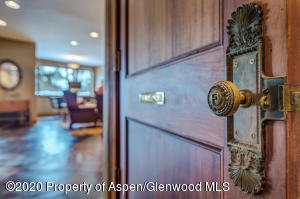 18_18_RFL__63_Crescent_Lane_Glenwood_Spr