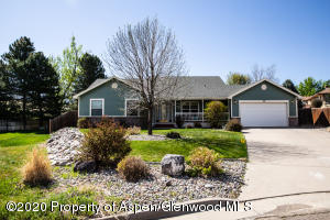 30 Ridge View Place, Parachute, CO 81635