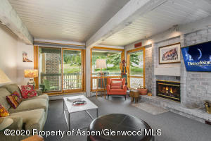 855 Carriage Way, Trails 207, Snowmass Village, CO 81615