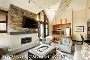 90 Carriage Way, 3512, Snowmass Village, CO 81615
