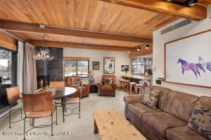 617 E Cooper Avenue, 418, Aspen, CO 81611