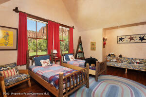 Spacious room for guests or family
