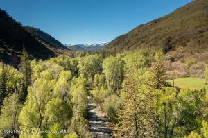 This incredible parcel is a gem. Bring your fly rod and your architect!