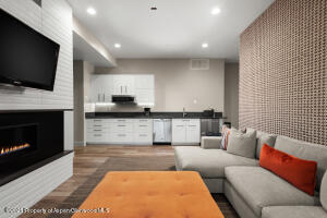 Recreation room with full kitchen