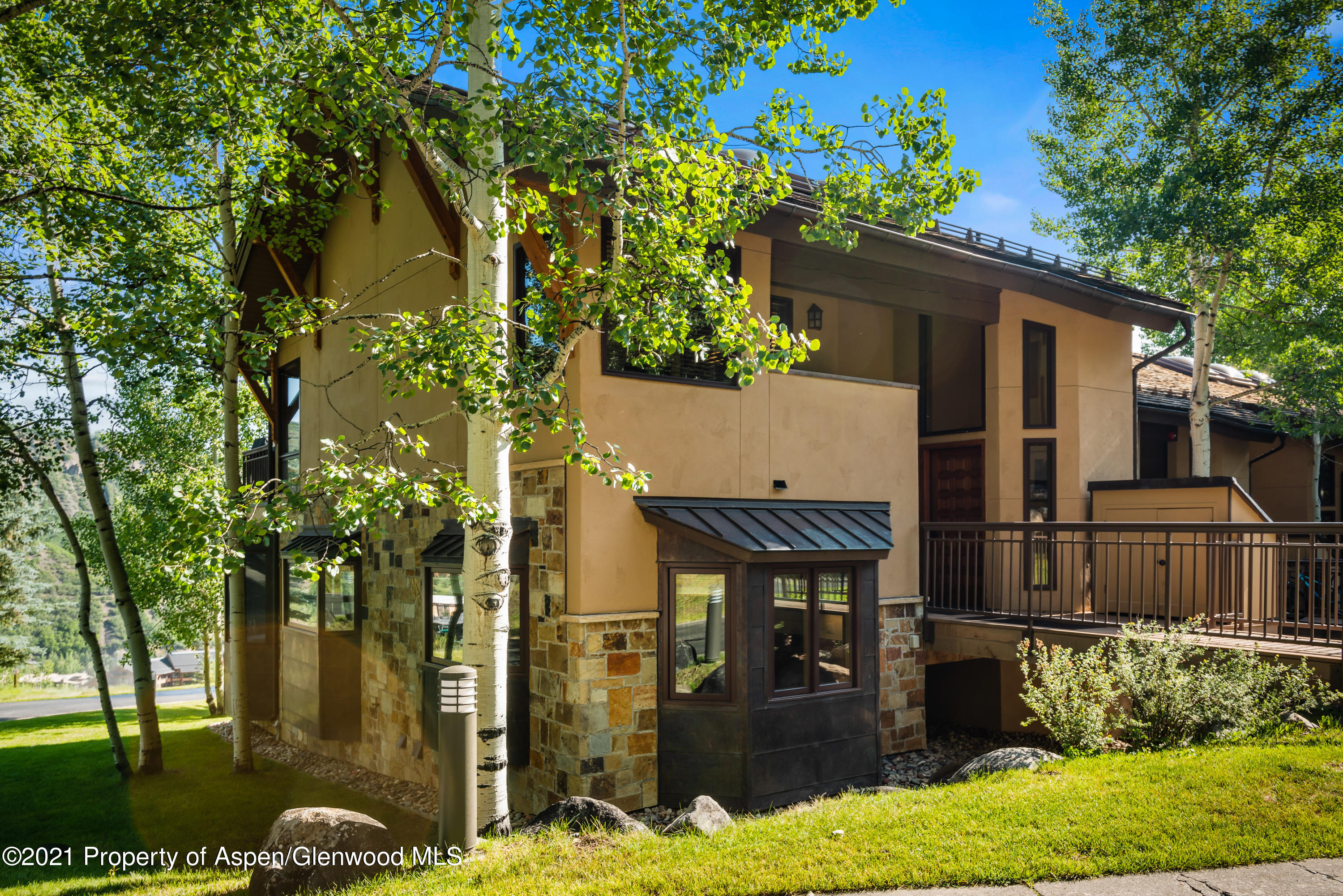 Fabulous ski in/out townhome centrally located on Snowmass Ski area.  Spacious 2 bedroom/ 3 bath unit with 3 separate open living areas.  This home is an end unit with extra windows to make it light and bright adding to spacious living  Tons of extra storage.  Easy walk across Fanny Hill to the Village Mall with shops and restaurants.