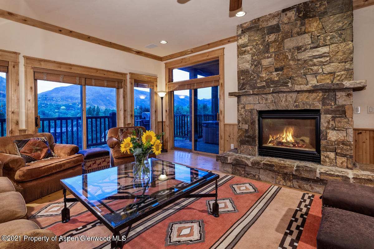 This 4 bedroom condominium is located in Aspen's West End. 4 bedroom/4 baths, with spacious outdoor entertaining decks and amazing views of Aspen Mt and Highlands. Exceptionally large and comfortable. Additional storage and elevator access. Aspen's best value, bar none.