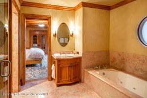 Guest Room 5 Bath