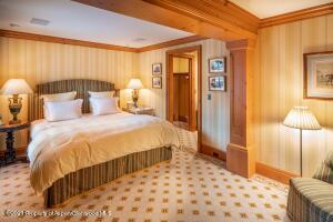 Guest Room 7 Staff Room