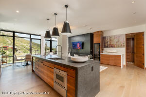 One Snowmass 301 West