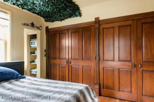 Master bedroom closet(s)