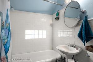 Shared bathroom upstairs in hall