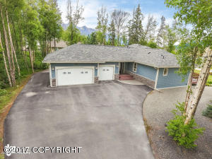 13927 E River Bend Circle, Palmer, AK 99645