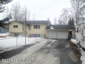 Walking distance to downtown Eagle River