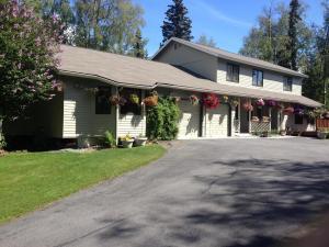 4630 Shelburne Place, Anchorage, AK 99516