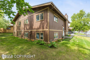 201 Fawn Court, Anchorage, AK 99515