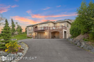 16811 Woods Pointe Circle