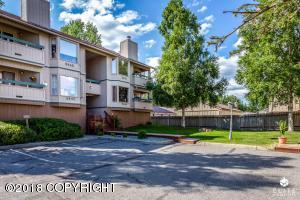 5647 Chilkoot Court, Anchorage, AK 99504