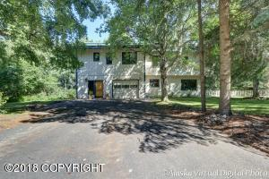 Beautifully Treed Private Lot