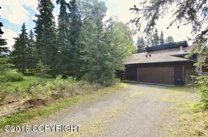 3930 Doroshin Avenue, Anchorage, AK 99516