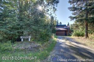 3930 Doroshin Avenue, Anchorage, AK 99516