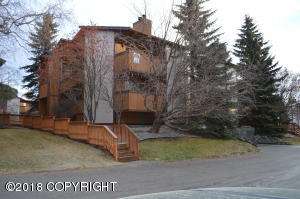 7232 Foxridge Circle, Anchorage, AK 99518