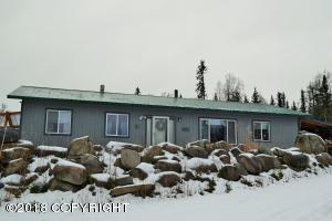 20612 E Rampart Loop, Talkeetna, AK 99676