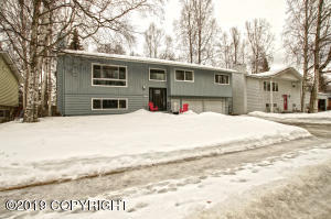 3025 Princeton Way, Anchorage, AK 99508