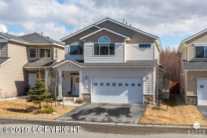 BEAUTIFUL SINGLE-FAMILY HOME IN DISCOVERY VIEW