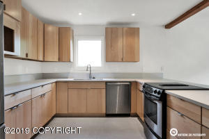 6710 Gloucester Place, Anchorage, AK 99504