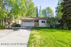 1635 Crescent Drive, Anchorage, AK 99508