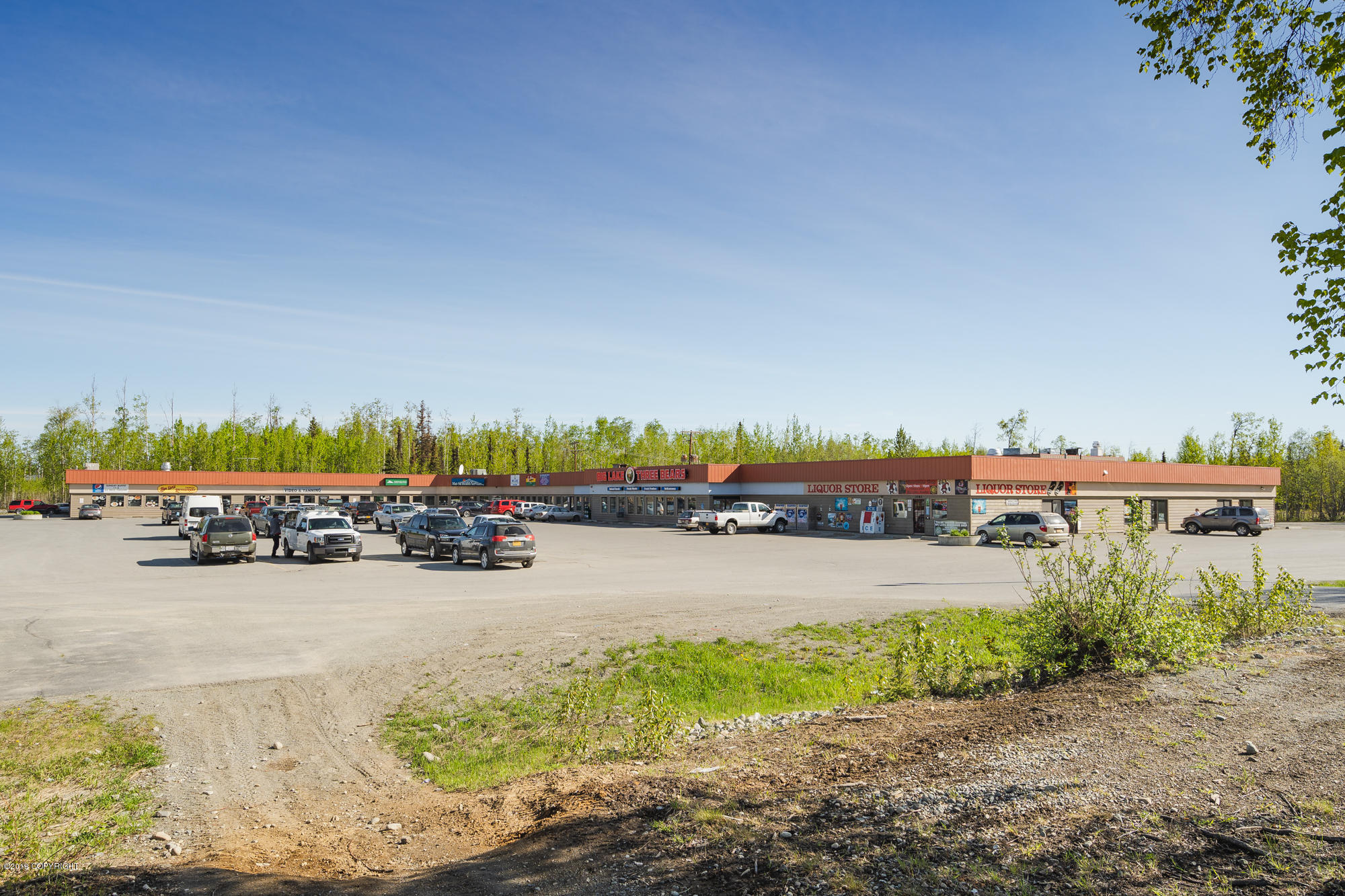 3261 S Big Lake Road Wasilla Home Listings - Lee Realty LLC. Real Estate