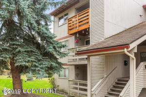 9725 Independence Drive, Anchorage, AK 99507