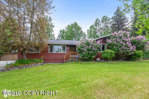 2633 Seclusion Drive, Anchorage, AK 99504