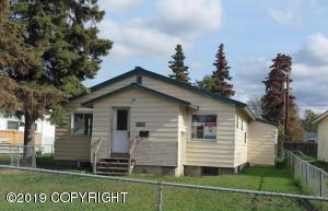 809 N Hoyt Street, Anchorage, AK 99508