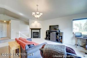 132 Dean Place, Anchorage, AK 99504