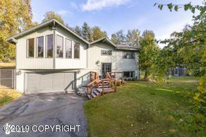 10025 Main Tree Drive, Anchorage, AK 99507