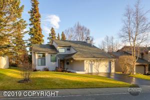 4630 Hunter Drive, Anchorage, AK 99502