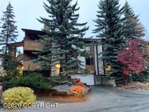 7340 Huntsmen Circle, Anchorage, AK 99518