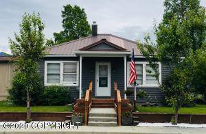 927 S Cobb Street, Palmer, AK 99645