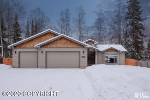 10047 Wildwood Street, Eagle River, AK 99577