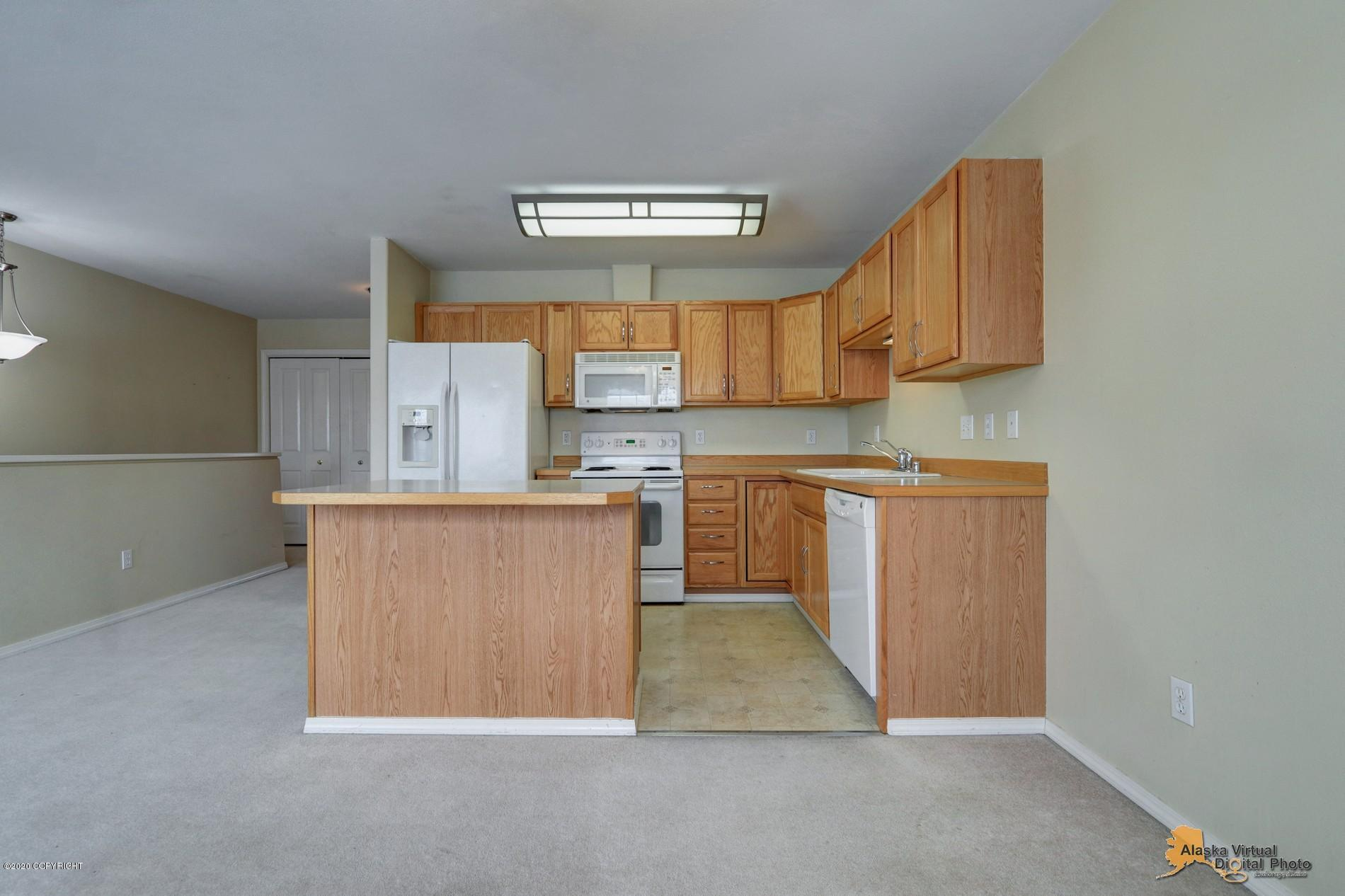 1318 Hillcrest Park, Anchorage