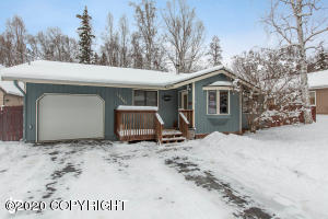 17705 S Juanita Loop, Eagle River, AK 99577