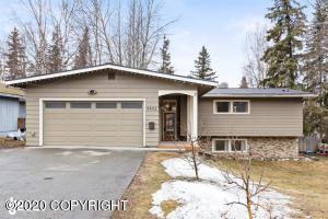 3442 Fordham Drive, Anchorage, AK 99508