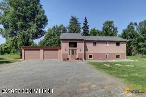 On 1/2 acre with no HOA or covenants!