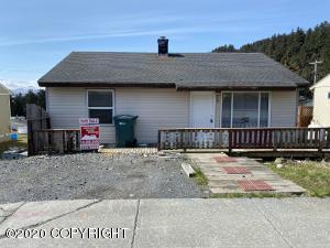 415 Maple Avenue, Kodiak, AK 99615