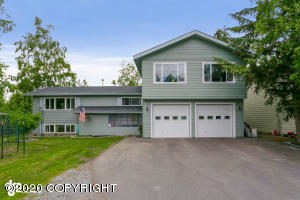 3815 W 42nd Avenue, Anchorage, AK 99517