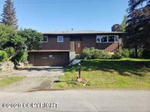6725 E 4th Avenue, Anchorage, AK 99504