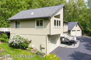 22825 Eagle Glacier Loop, Eagle River, AK 99577