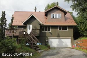 6334 Red Tree Circle, Anchorage, AK 99507
