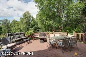 10461 Hampton Drive, Anchorage, AK 99507